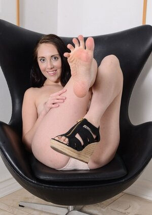 Nickey Huntsman is a dream babe of absolutely any foot and hairy pussy fetishist